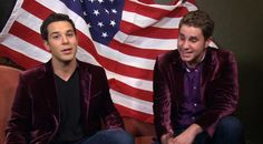"""Watch Pitch Perfect 2 stars Skylar Astin and Ben Platt sing a gorgeous a cappella rendition of """"America the Beautiful"""" for Fourth of July Pitch Perfect Jesse, Watch Pitch Perfect, Ben Platt, Skylar Astin, Emperors New Groove, Hottest Male Celebrities, Hd Movies Online, Chick Flicks, Dear Evan Hansen"""