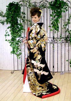 Fashion Asian Traditional Japanese Kimono 18 Ideas For 2019 Traditional Japanese Kimono, Traditional Fashion, Traditional Dresses, Kimono Chino, Japanese Wedding Kimono, Modern Kimono, Japanese Outfits, Japanese Clothing, Kimono Design