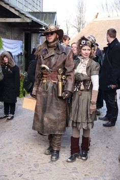 Love this Deadlands style steampunk/Western crossover! Steampunk Couture, Steampunk Mode, Chat Steampunk, Viktorianischer Steampunk, Steampunk Design, Steampunk Clothing, Steampunk Fashion, Victorian Fashion, Steampunk Makeup