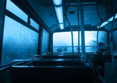 Joker alias la nuit est bleue comme un mirage - Les arts débauchés Rainbow Aesthetic, Aesthetic Colors, Aesthetic Photo, Aesthetic Pictures, Aesthetic Beauty, Aesthetic Art, Image Svg, Neon Licht, Im Blue
