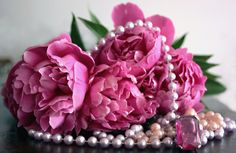 peonies and pearls by Paol@zu, via Flickr