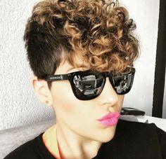 curly undercut pixie Más