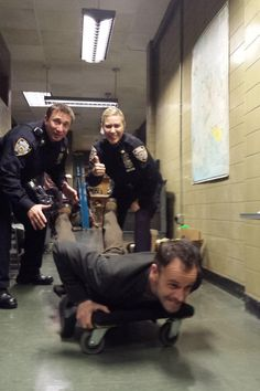 Johnny Lee Miller behind the scenes of Elementary
