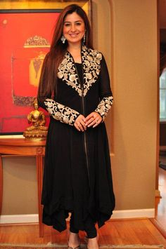Visit The Hijabs at www.thehijabs.com for more shalwar Kameez designs.