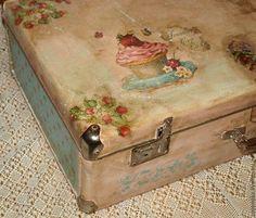 """Купить Чемодан """"Vintage dessert """" - чемодан, чемоданчик, винтажный стиль, винтаж, короб для хранения"""
