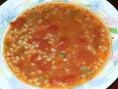 Cuisine chic et simple: Soupe à l'orge et aux légumes les diététistes du Canada Fat Free Recipes, Top Recipes, Cooking Recipes, Canadian Food, Recipes From Heaven, Recipe For Mom, Quick Meals, Soups And Stews, Food To Make