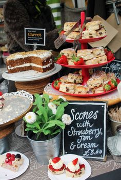 Traveling to London: Do's & Don'ts -- Camden Lock Market (Go on an empty stomach!)