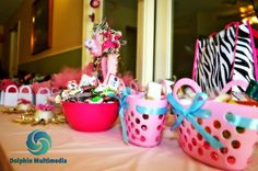 Zebra print, baby shower, pink, gifts, blue ribbon Dolphin Multimedia ©