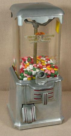 epoca Operators Vending Machine Supply Co., Los Angeles, CA, c. Vintage Sweets, Vintage Candy, Vintage Theme, Vendor Machine, Childhood Images, Bubble Gum Machine, Penny Arcade, Gumball Machine, Toys Shop