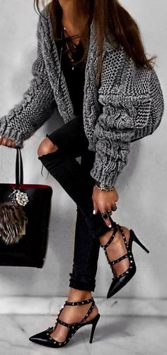 Popular Winter Outfits To Wear Now gray knitted sweater Love Fashion, Winter Fashion, Womens Fashion, Fashion Trends, Winter Outfits Women, Casual Fall Outfits, Knit Sweater Outfit, Mode Outfits, Mode Style
