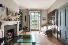 With an outstanding location in the Canonbury Conservation Area, this three-bedroom Grade II-listed Georgian house has wonderful interiors and a 60ft south-facing garden. Despite being just a short walk from Upper Street, it has a beautifully leafy aspect, overlooking the New River at the front and gardens at the rear. The interior has been refurbished […]