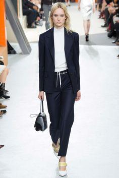 Louis Vuitton Fall 2015 Ready-to-Wear Fashion Show - Harleth Kuusik (Elite)