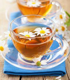Tipps und Mittel gegen Schwitzen: Ein gutes Mittel gegen starkes Schwitzen im Schlaf - Folgende Teesorten und geeignete Nachtwäsche helfen ...
