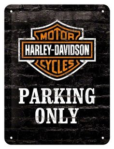 Harley Parking only 15 x 20