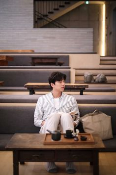 Gong Yoo joined up with 'Epigram' once more to deliver a beautiful set of photos! With the natural, candid-like method of the photos taken, the entire pictorial gives off a sense of warmth and nostalgia of the good times.