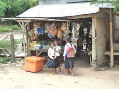 Schoolkinderen in Tanon
