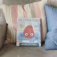 Feeling fried? Peel yourself on the couch and meet your new pal-tato! The winning fourth picture book from the #1 New York Times bestselling creators of The Bad Seed, The Good Egg, and The Cool Bean, Jory John and Pete Oswald, will get you and your kids moving! Readers of all ages will laugh along as their new best spuddy learns that balancing screen time and playtime is the root to true happiness. 📸 @thebrookelist