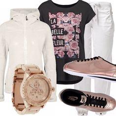 Per un momento di relax, per una passeggiata o volendo anche per recarsi in palestra. Ho scelto un outfit versatile, pantaloni comodi con laccio, t-shirt nera con motivo floreale e felpa morbida avorio, ho abbinato un paio di Nike che trovo stupende : un laminato rosa. L'orologio mi piaceva molto con questo look e a voi?