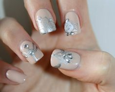 Brilliant Nude false nails set of 20 by LaurasPills on Etsy, $13.00