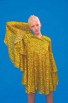 Antonio Berardi Resort 2020 Fashion Show Antonio Berardi, Vogue Paris, Unique Fashion, Backstage, Mode Unique, Yellow Dress Summer, Quoi Porter, Vogue Sewing Patterns, 2020 Fashion Trends