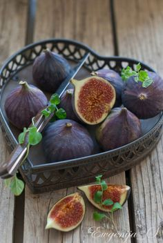does anyone remember the scene from Women in Love about how to eat a fig?