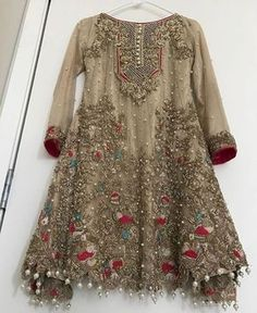 Honordresses is an excellent online clothing store. You will have all the clothes you need at a good price.Welcome to buy, secure payment and fast delivery. Pakistani Party Wear, Pakistani Wedding Outfits, Pakistani Dresses Casual, Pakistani Dress Design, Indian Dresses, Pakistani Mehndi Dress, Indian Wedding Gowns, Indian Outfits, Stylish Dresses For Girls