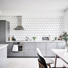 I like the contrast of the dark walls in the living room and bedroom with the bright and light kitchen. The vibe in the kitchen area is energetic and fresh, while the living room and bedroom look more relaxing. I … Continue reading → Budget Kitchen Remodel, Kitchen On A Budget, New Kitchen, Kitchen Dining, Kitchen Decor, Kitchen Cabinets, Grey Cupboards, Kitchen Ideas, Kitchen Renovations