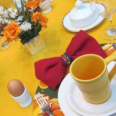 E, sem dúvida, o prazer de se servir em mais uma MESA BELA, é inquestionável!!!  Idealizamos e produzimos capa para sousplat,  guardanapo, porta guardanapo, trilhos de mesa, toalhas de mesa, arranjo floral,  capa para almofada, jogo americano, cestinhas, cortinas,  capa para puff