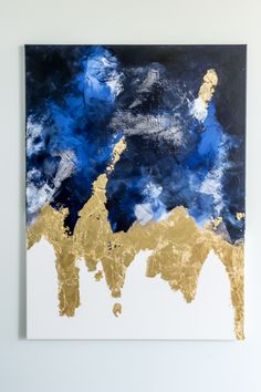 Suggestions to easily make an abstract painting with acrylic paint, gold leaf and drywall repair mesh. Large scale art idea for home decor & gallery wall.