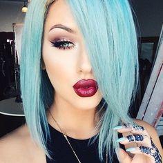 Love her makeup and hair Sooo Cute