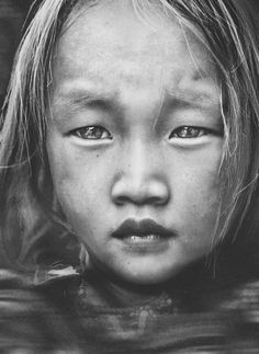a beautiful Vietnamese child ... Captivating