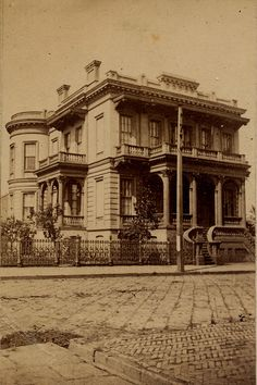 history of antebellum photography in new orleans, including old photographs, confederate soldier images and landscapes New Orleans Decor, New Orleans City, New Orleans Travel, New Orleans Louisiana, New Orleans Architecture, Architecture Old, New Orleans History, Louisiana Plantations, Louisiana History