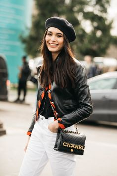 Street style: our favorite looks from Paris Fashion Week fall-winter - Page 4 Casual Street Style, Look Street Style, Model Street Style, Models Style, Vogue Paris, Fashion Week, Daily Fashion, Fashion Outfits, Paris Fashion