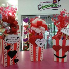 Valentine Decorations, Valentine Crafts, Be My Valentine, Valentine Day Gifts, Holiday Gifts, Candy Bouquet, Balloon Bouquet, Valentine's Day Gift Baskets, Mini Pinatas