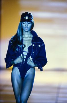 Versace Spring 1992 Ready-to-Wear Fashion Show Collection