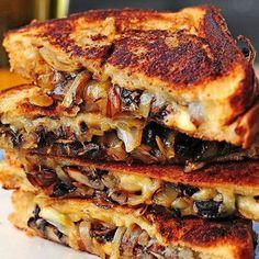 Les croque-monsieur, on adore ça et on ne sait pas vous mais nous, on commence un peu à se lasser du traditionnel jambon-fromage. Voilà donc 10...