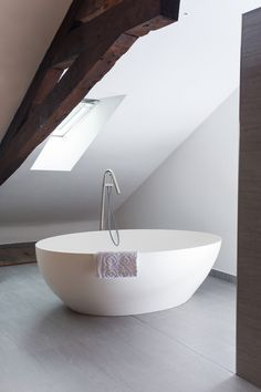 Get inspired by this hotel project byCOCOON.com. Refined freestanding modern Corian bathtub SALINAS by #COCOON and robust #Inox Stainless Steel floor mounted bath mixer Mono4TD plus handshower by #COCOON / Dutch designer brand byCOCOON.com / All #COCOON bathroom taps are both available via inoxtaps.com and via byCOCOON.com / Bathroom design & bathroom renovation for businesses, hotels and private clients byCOCOON.com / Badkamer ontwerp & verbouwing byCOCOON.nl