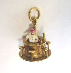 VINTAGE-C1940-50-14kt-GOLD-CHARM-moveable-ROTATING-BAR-enamel-BARTENDER
