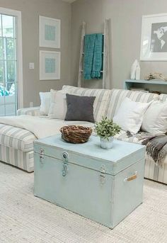grey and turquoise living room | Via Nikki Weinert Englund
