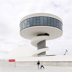 Oscar Niemeyer / Оскар Нимейер   106 фотографий