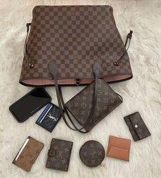Real Louis Vuitton Bag, Louis Vuitton Designer, Louis Vuitton Monogram, Lv Handbags, Replica Handbags, Louis Bag, Luxury Purses, Bvlgari Bags, Prada Bag