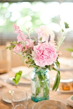 pretty centerpieces flowers in mason jars