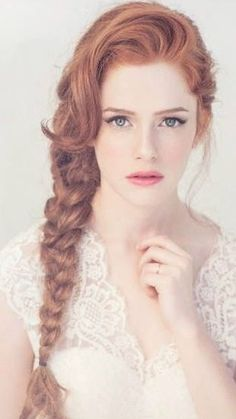 Ideas for eye makeup red hair redheads freckles Braided Hairstyles, Wedding Hairstyles, Bridal Hairstyle, Bohemian Braids, Chica Cool, Ginger Girls, Gorgeous Redhead, Redhead Girl, Brunette Girl