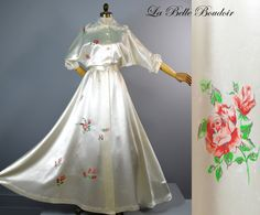 Old Hollywood Dressing Gown ~ Vintage 1940s Satin Wedding Robe ~ Floor Swept Full Skirt ~ Kaumagraph Printed Roses by labelleboudoir on Etsy