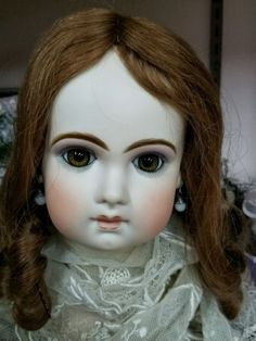 Dreamy-Tete-Jumeau-makes-a-28-tall-doll-from-Jamie-Englert