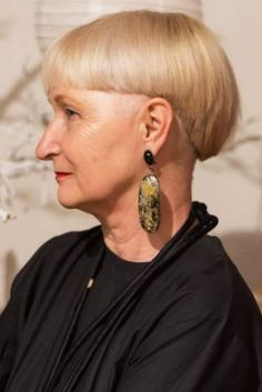 Modern And Swanky Bowl Cut ❤ Short haircuts for women over 60 can look very beautiful and modern, and, thus, every older lady can find her perfect style. Check out our photo gallery featuring the trendiest cuts for women in their and keep up! Makeup For Older Women, Haircut For Older Women, Short Hairstyles For Women, Bob Hairstyles, Short Haircuts, Hair Styles For Women Over 50, Short Hair Cuts For Women, Medium Hair Styles, Short Hair Styles