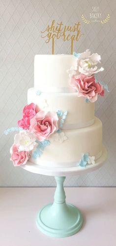 Weddingcake Shit just got real Cake Pics, Cake Pictures, Just Cakes, Bakery Cakes, Beautiful Wedding Cakes, Food Festival, Cake Decorating, Festive, Favors