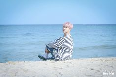 Jimin ❤ BTS On Set Of The '봄날 (Spring Day)' MV (Naver STARCAST Article - m.star.naver.com/bts) #BTS #방탄소년단