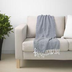 BERNHARDINA plaid | IKEA IKEAnl IKEAnederland inspiratie wooninspiratie interieur wooninterieurdesigndroom woonkamer slaapkamer kinderkamer decoratie zacht warm deken blauw wit katoen