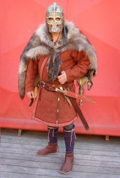 More Migration Era Anglo Saxon Clothing, Norse Clothing, Armor Clothing, Viking Tent, Viking Images, Anglo Saxon History, Old Warrior, Germanic Tribes, Celtic Warriors